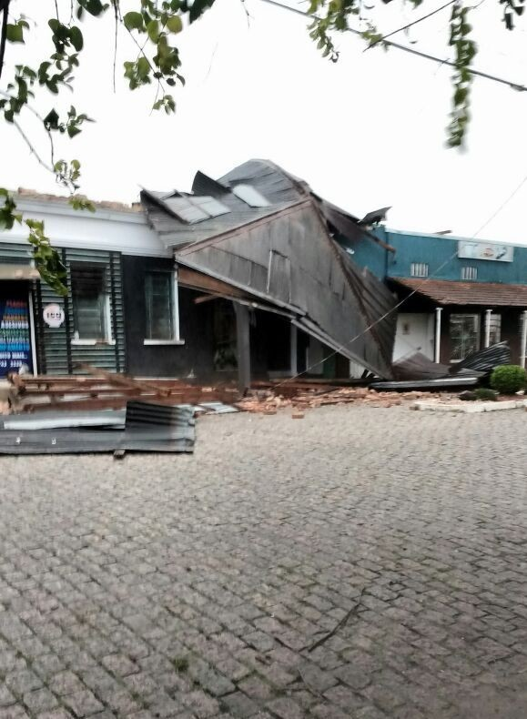 Temporal com ventos fortes causam danos em Candelária