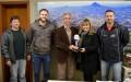 Paulo Butzge recebe troféu de mérito comunitário