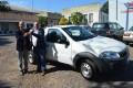 Paulo Butzge entrega Fiat Strada zero KM para secretaria de obras