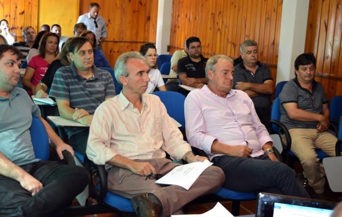 Equipe apresenta síntese do PPA na Câmara de Vereadores