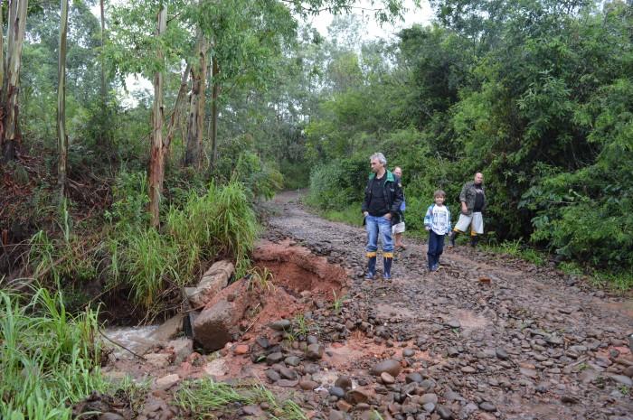 Chuva e ventos causam novamente preju�zos em Candel�ria