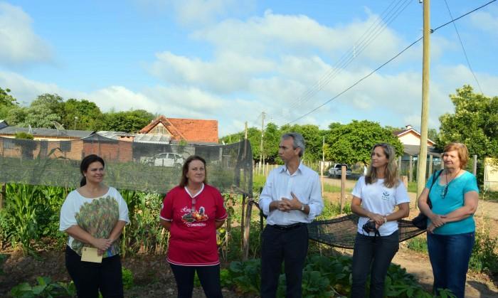 APAE inaugura �Horta Comunit�ria�