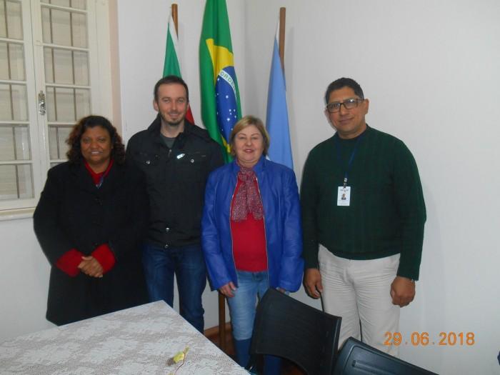 CMDCA recebe  representantes da AMENCAR